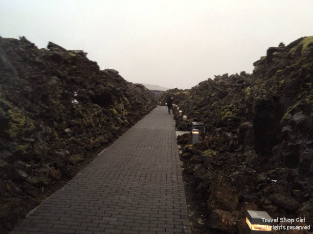 Walkway up to the entrance of the Blue Lagoon
