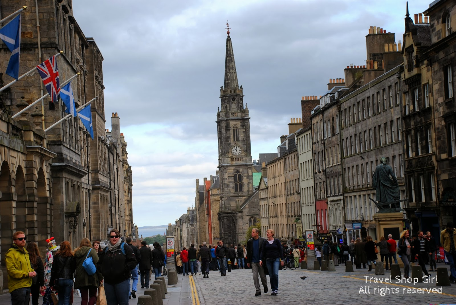 A Walk Through Time Along The Royal Mile Edinburgh Scotland