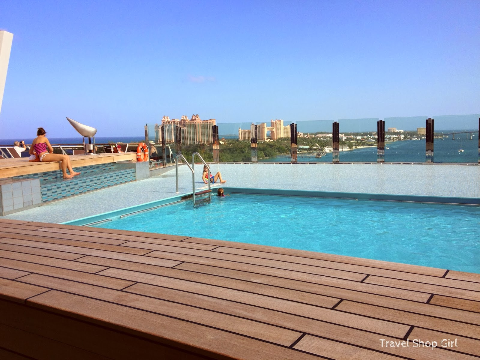 Msc divina pools sun fun msc cruises review travel for Pool in the garden