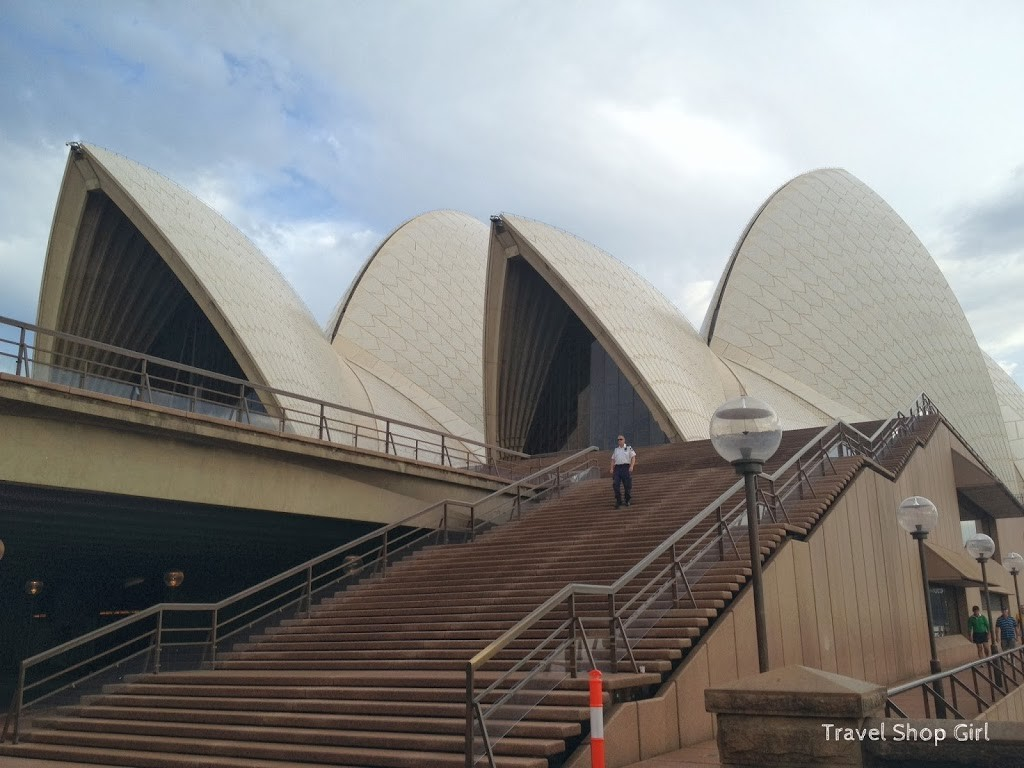 Staircase leading to Sydney Opera House after leaving the Botanic Garden