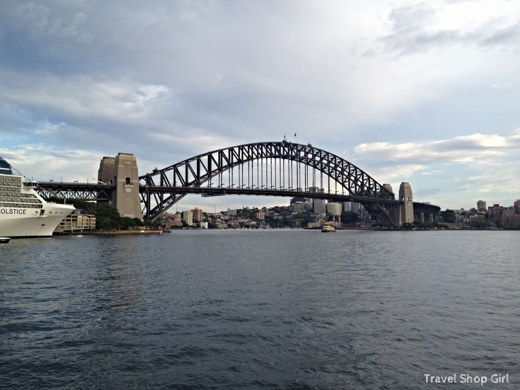 It was easy to run along the water and to navigate a path to the Sydney Harbour Bridge