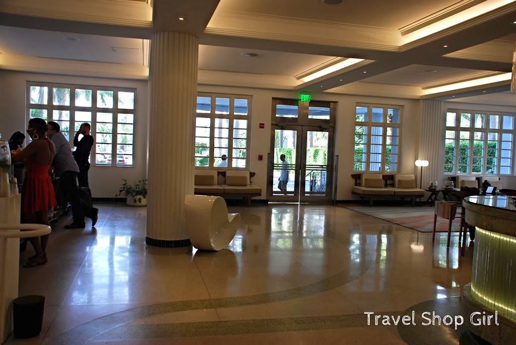 Save The Lobby Of James Royal Palm