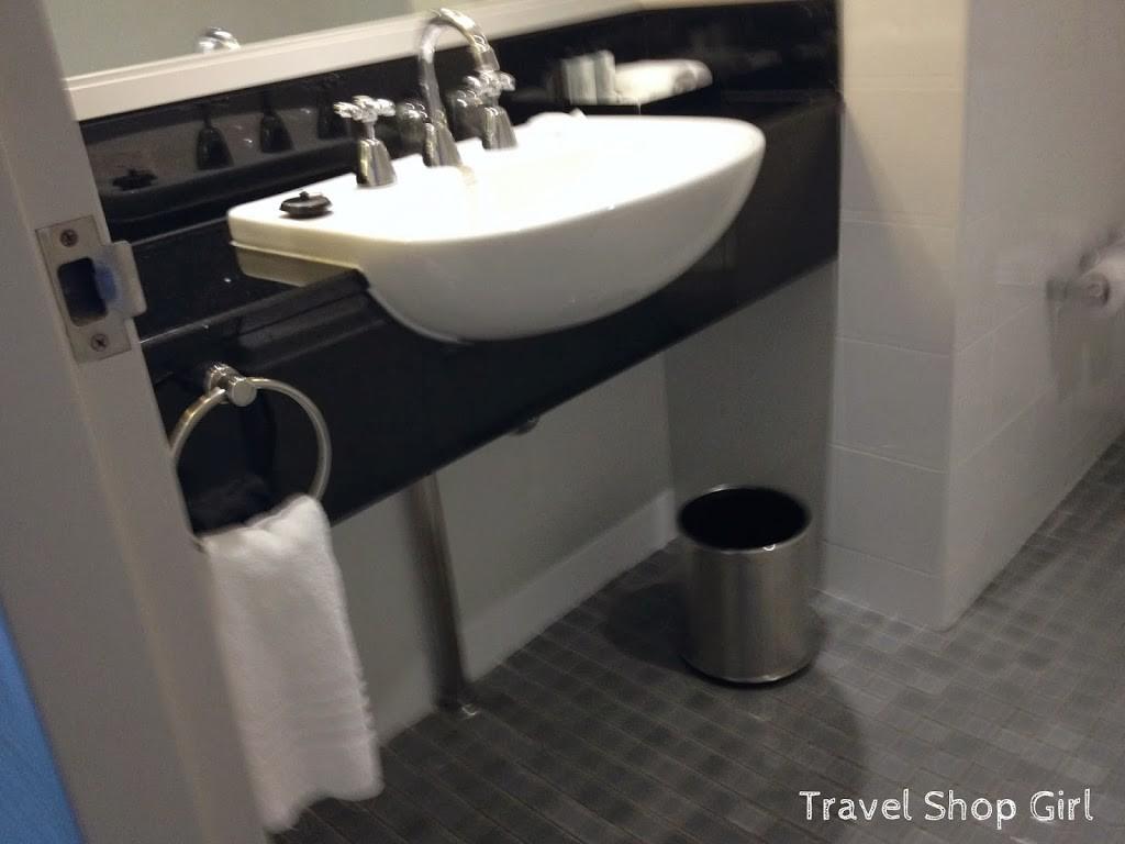 Room 2104 bathroom
