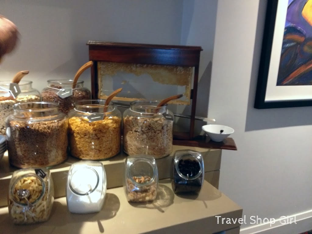 Cereals and super fresh honey!