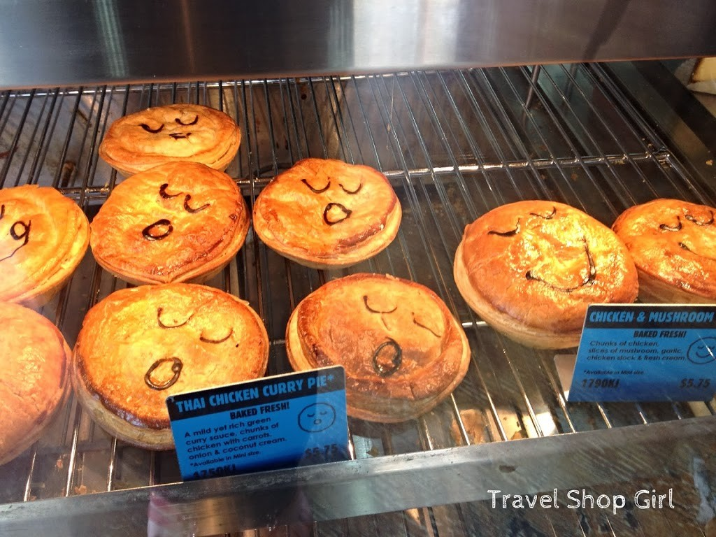 The little choir of pies