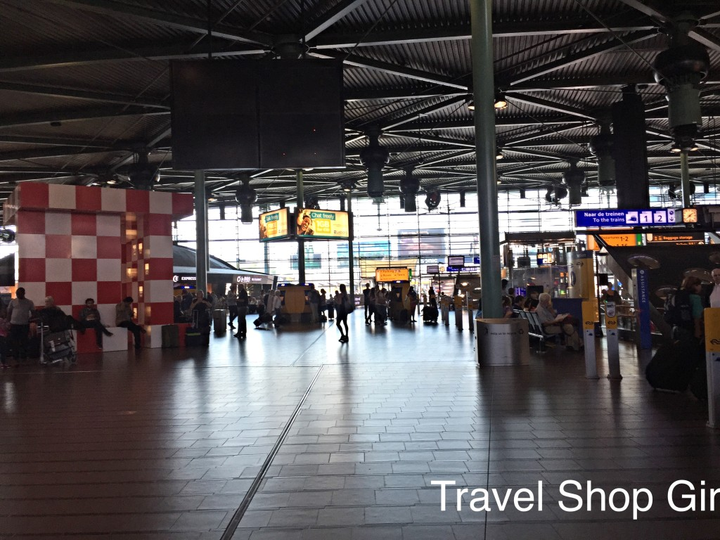 Cash And Go >> Taking the Train from Amsterdam Schiphol Airport to