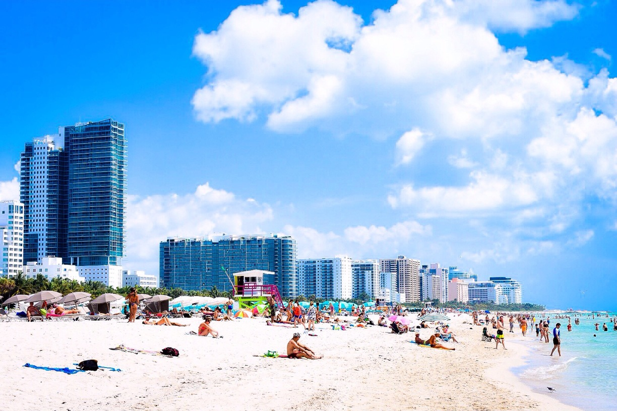With its vibrant big cities, colorful coastline and sensational, family-friendly destinations, Florida is also world renowned for its magical theme parks and year-round sunshine.