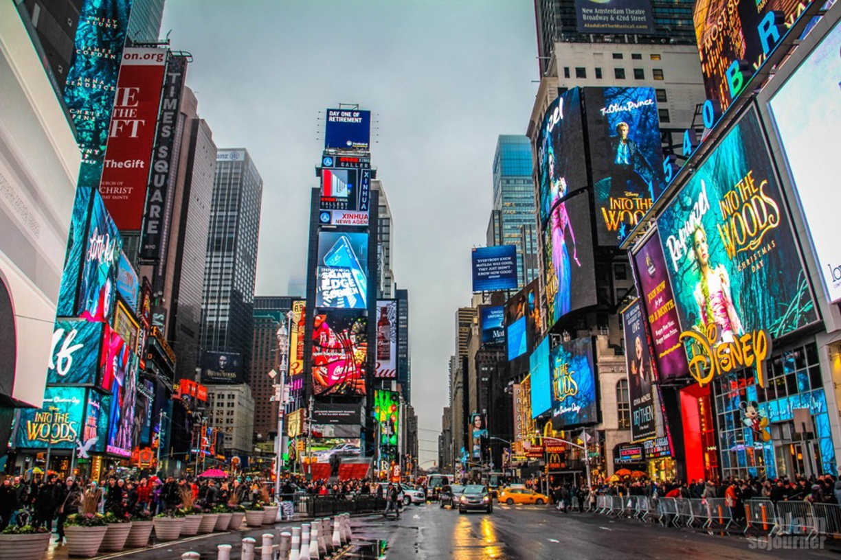 A few of the best centrally located new york city hotels for Things to do around times square